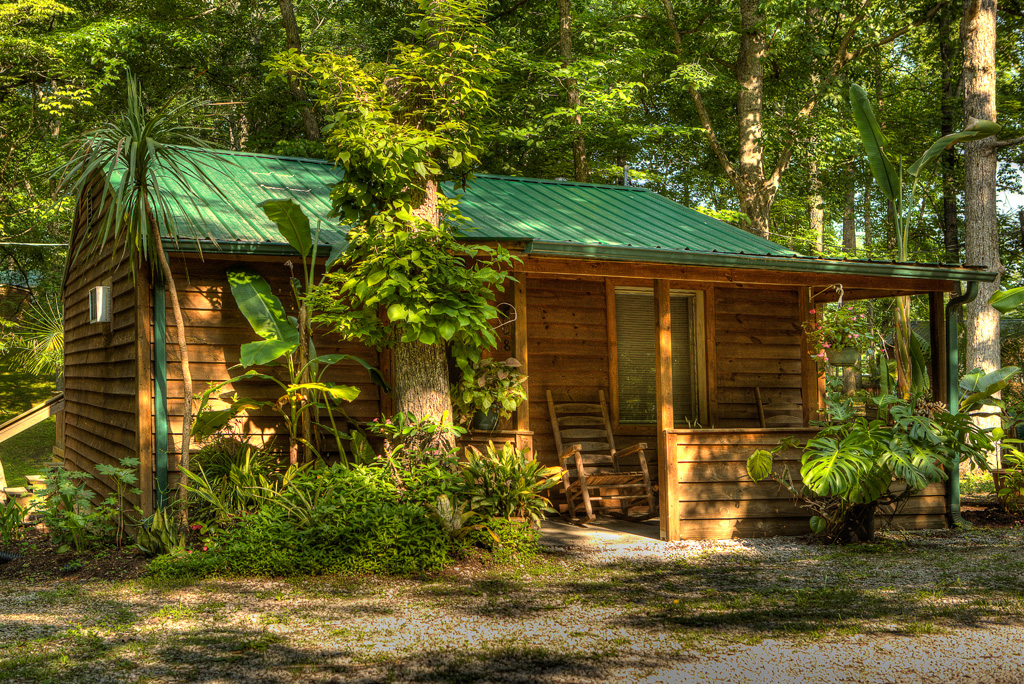 Cabin 8 Honeymooner